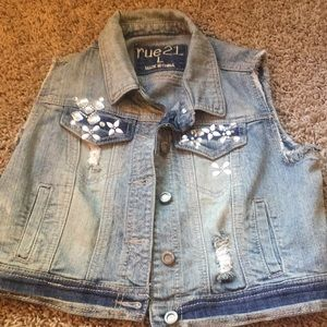 Jean vest with jewels